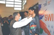 National swimmer Maaz leads Peshawar to first gold medal in U21 Inter-Regional Swimming